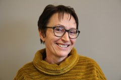 "Nelly Courcelle, 2<sup class=""typo_exposants"">e</sup> adjointe, en charge de la commission culture, loisirs, animation, jeunesse, communication."